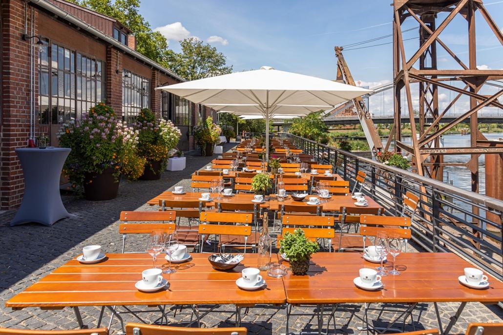 Biergarten der alten Reederei Heilbronn